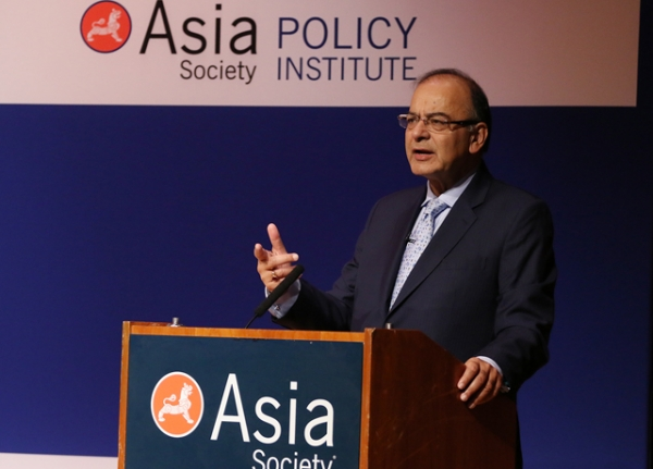 India Finance Minister Arun Jaitley delivers an address at Asia Society New York on Monday, in a program that also featured Indian Ambassador to the U.S. Arun Kumar Sing, CII President Naushad Forbes, and Secretary of the Department of Economic Affairs in the Indian Ministry of Finance Shaktikanta Das. (Ellen Wallop/Asia Society)