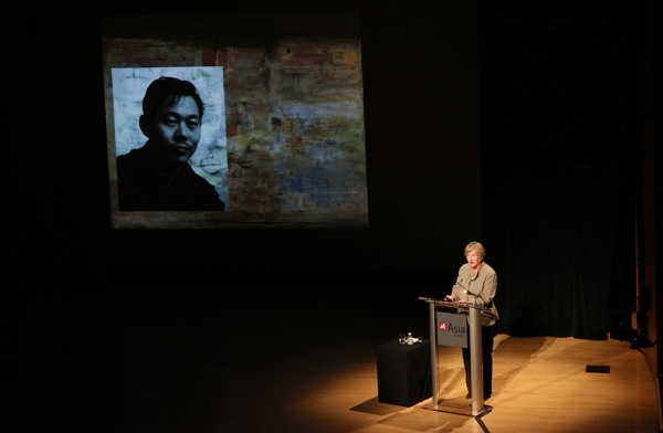 Dr. Melissa Walt, research associate, Colby College and co-curator of 'No Limits: Zao Wou-Ki' presents a lecture on Zao Wou-Ki's life and influences in New York on September 12, 2016. (Ellen Wallop/Asia Society)