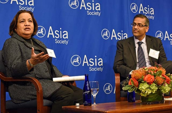 Mini Roy (L) and Rishi Chugh discuss investment in India at Asia Society in New York. (Elsa Ruiz/Asia Society)
