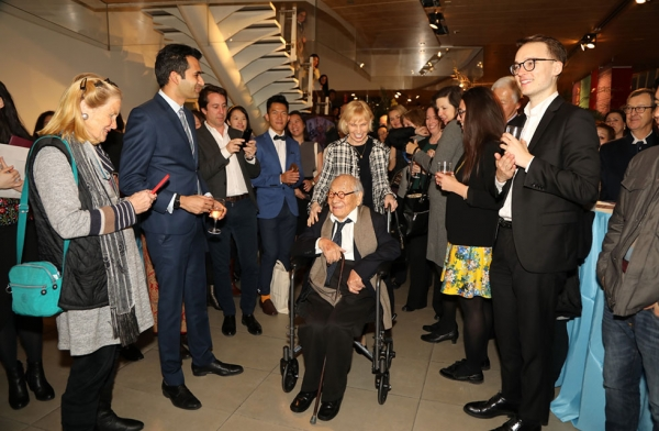 Exhibition opening attendees welcome special guest and 2016 Asia Society Game Changer, architect I.M. Pei in New York on March 6, 2017. (Ellen Wallop/Asia Society)