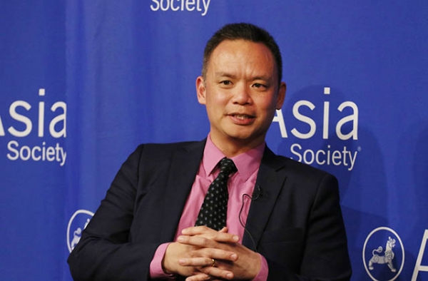 Edward Wong speaks at Asia Society in New York on February 28, 2018. (Ellen Wallop/Asia Society)