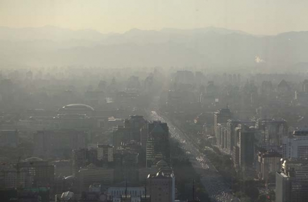 Smog envelops Beijing on October 13, 2012. (Fl85/Flickr)