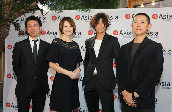 Actress Ryoko Yonekura poses with restauranteurs and staff from the Japanese restaurant Mifune at Asia Society New York on June 27, 2017. (Ellen Wallop/Asia Society)