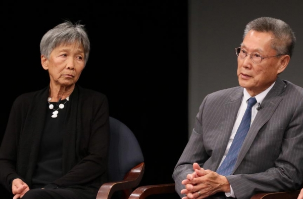 Thomas and Hwei Lin Sung speak at Asia Society in New York on September 6, 2017. (Ellen Wallop/Asia Society)