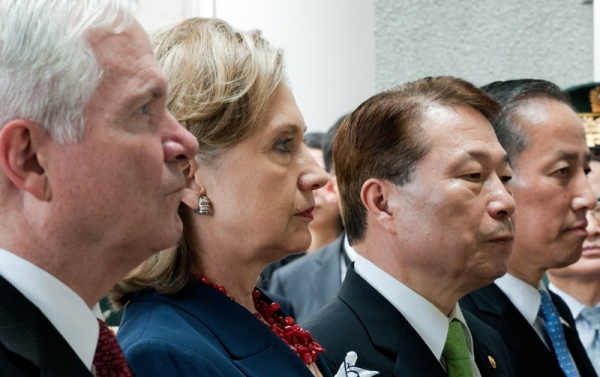 US Defense Secretary Robert Gates (L), US Secretary of State Hillary Clinton (2L), South Korean Foreign Minister Yu Myung-hwan (2R) and South Korean Defence Minister Kim Tae-young (R) stand together as they lay a wreath at the Korean War Memorial in Seoul on July 21, 2010. (Paul J. Richards/AFP/Getty Images)