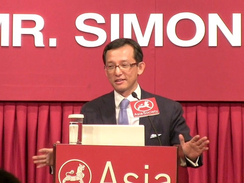 Asia Society Global Council Co-Chair Simon Tay speaking in Hong Kong in fall 2010. (Asia Society Hong Kong Center)