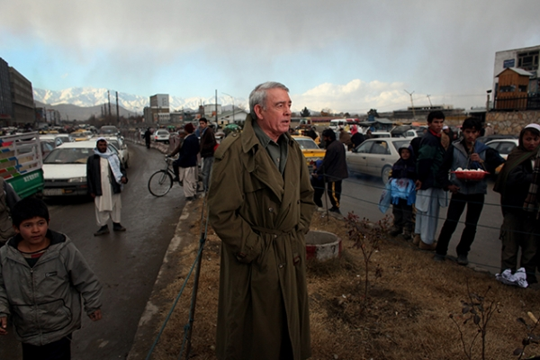 Dan Rather reports from the streets of Kabul, Afghanistan, in December 2008. (DanRather.com)