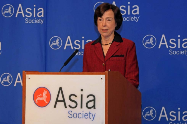 Chairman and Chief Executive Officer of Hills & Company Carla Hills introduced Maurice Greenberg at Asia Society New York on Feb. 19, 2013. (Elsa Ruiz/Asia Society)