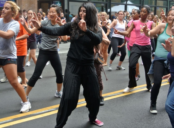 Sarina Jain (in black, center) leading a group Masala Bhangra session. (Sarina Jain)