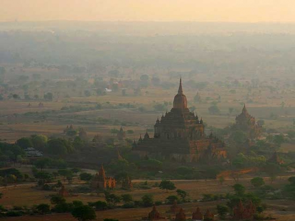 Sunrise in Bagan, Myanmar, home to thousands of temples, pagodas and monasteries built from the 9th to 13th centuries CE. (jmhullot/Flickr)