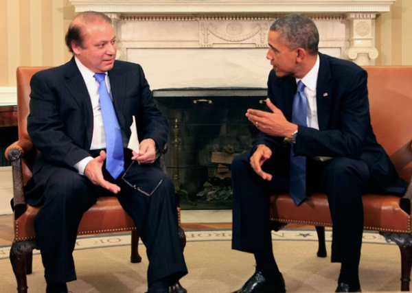 Pakistani Prime Minister Nawaz Sharif (L) with U.S. President Barack Obama in the Oval Office of the White House in Washington, DC on Oct. 23, 2013. (Dennis Brack-Pool/Getty Images)