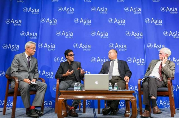 L to R: Fred Teng, Ishaan Tharoor, Ho-Fung Hung, and Orville Schell at Asia Society New York on Oct. 28, 2014. (C. Bay Milin)