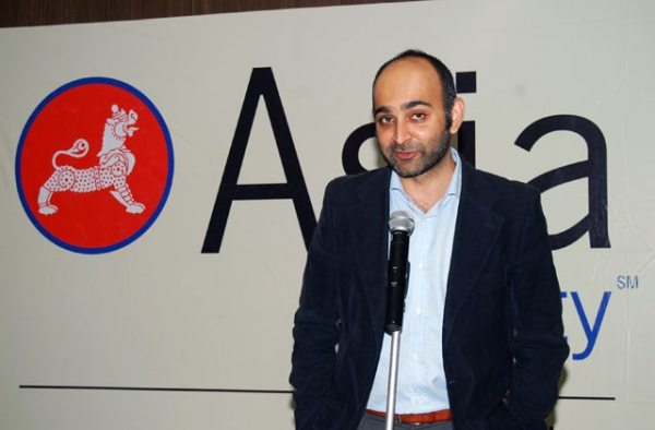 Author Mohsin Hamid at an Asia Society India Centre dinner in Mumbai on Dec. 2, 2011. (Asia Society India Centre)