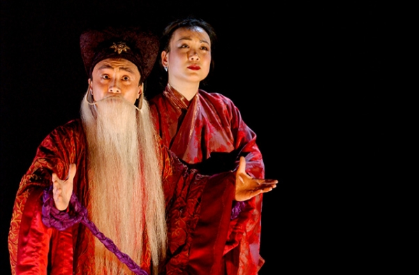 A scene from the chamber opera Wenji: Eighteen Songs of a Nomad Flute with actor Zhou Long (L) and actress Xiu Ying in 2002. (Jack Vartoogian/Asia Society)