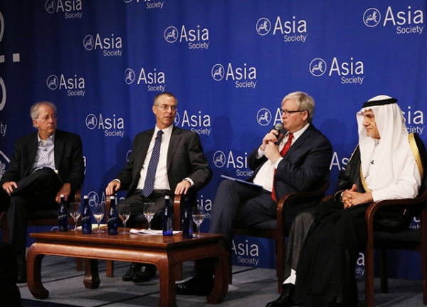 Dennis Ross, Michael Herzog, Kevin Rudd and Prince Turki Al-Faisal, engage in a high-level discussion on the evolving security challenges in the Middle East and potential pathways to stability. (Ellen Wallop/Asia Society)