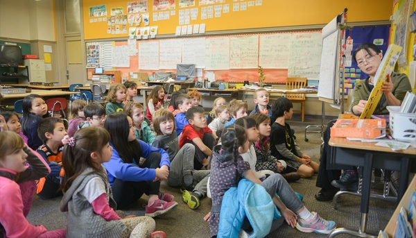 2nd grade story time with Shen Laoshi (Portland Public Schools)