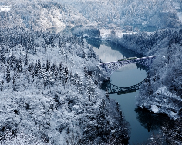 "A winter shot of the Tadami bridge, part of Hideyuki Katagiri's ""Four Seasons of Oku Aizu"" project. (Hideyuki Katagiri)"