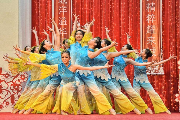 Holiday-themed dance performance by the Hangzhou Arts School from China at a shopping center in Singapore on January 23, 2013. (chooyutshing/flickr)