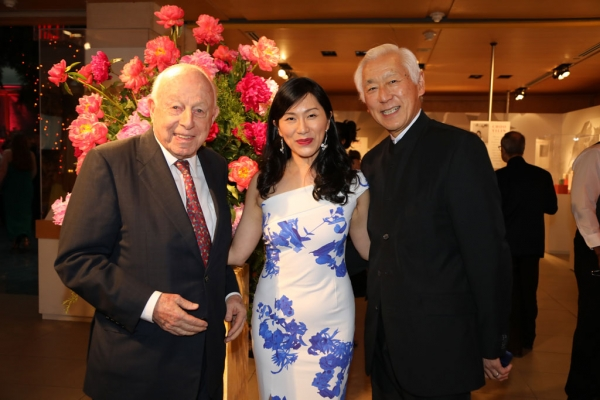 (Left to right) Henry H. Arnhold; Agnes Hsu-Tang, Tang Dynasty Ball Co-Chair; and Oscar Tang, Tang Dynasty Ball Co-Chair.