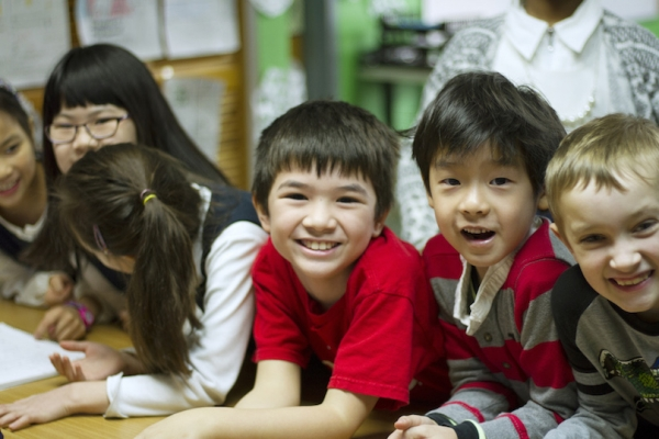 Second grade: students enjoy time together. (Biyi Li)