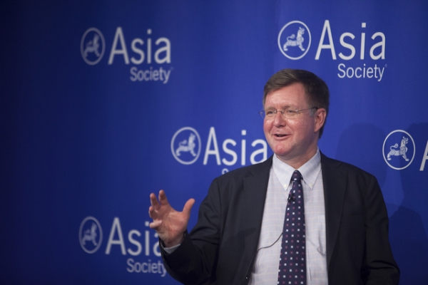 Prof. Odd Arne Westad, winner of the 2013 Asia Society Bernard Schwartz Book Award, speaks at Asia Society New York on December 18, 2013. (David Barreda/Asia Society)
