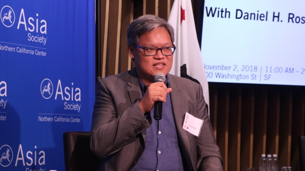 Victor Shih explains his thoughts on the Chinese banking system. (Kevin Kunze/Asia Society)