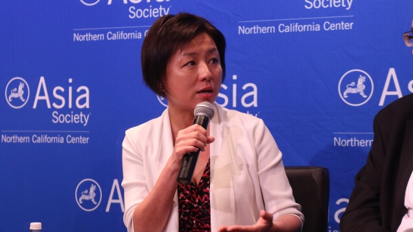 Edith Yeung answers a question from the audience. (Kevin Kunze/Asia Society)
