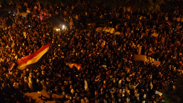 At least a million protestors sing Egypt's national anthem at Sidi Gaber, Alexandria on February 1, 2011. (Al Jazeera English)