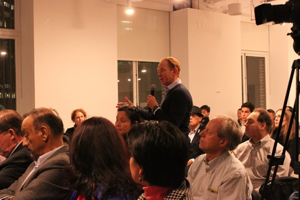 Audience members had the opportunity to ask questions towards the end of the event. (Asia Society)