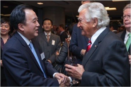 H.E. Mr Chen Yuming and The Hon Bob Hawke AC