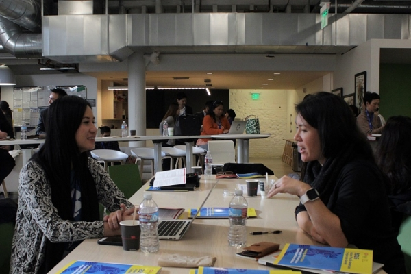 The coffee break allowed participants to chat about the issues that the Keynote Discussion addressed (Stesha Marcon).
