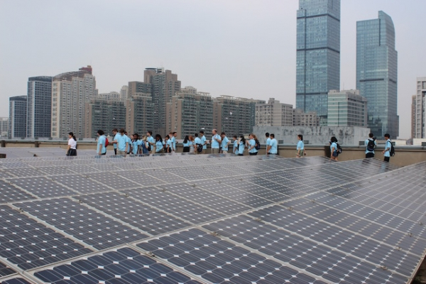 Delaware Chinese LInCS Program participants tour a solar power plant in Hangzhou, China (Delaware Chinese LInCS Program)
