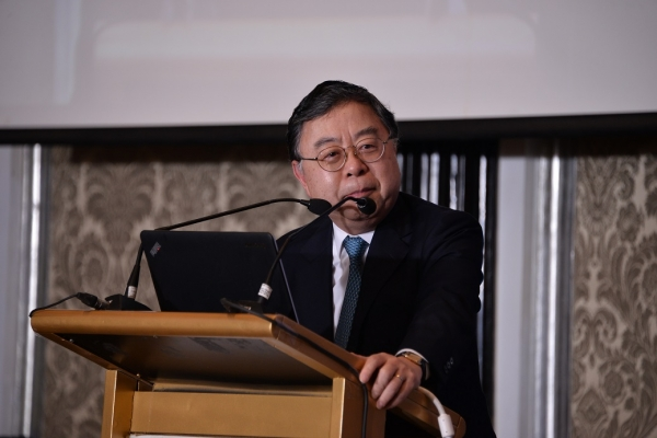 Ronnie C. Chan, Co-Chair, Asia Society, delivers opening remarks.