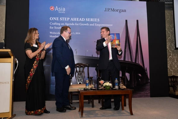 (L to R): Kalpana Morparia, Greg Clark, and Nicolas Aguzin launch Mumbai: India's Global City Report.