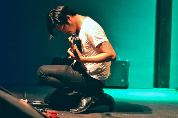 Alex Zhang Hungtai, also known as Dirty Beaches, onstage at Animal Social Club in Rome, Italy on October 19, 2011. (Flavia/Flickr)