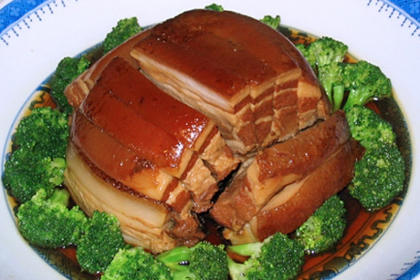 Steamed Five-Flower Pork (Photo by panduh/flickr)