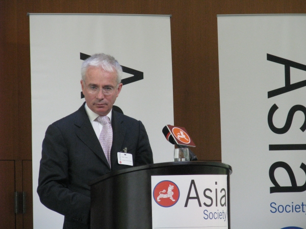 Peter Sands, senior executive of Standard Chartered PLC, joined Asia Society Hong Kong Centre on March 23, 2012. (Asia Society Hong Kong Centre)