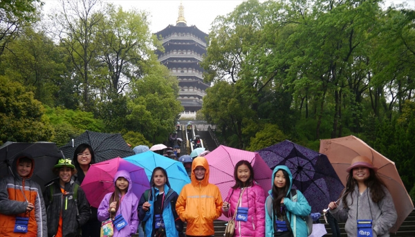 ISTP Elementary School students visiting one of ISTP's partner schools in China (International School of the Peninsula)