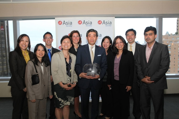 John Kim and New York Life Insurance Company delegates with the Award for Best Company for Support of the Asian Pacific American Community