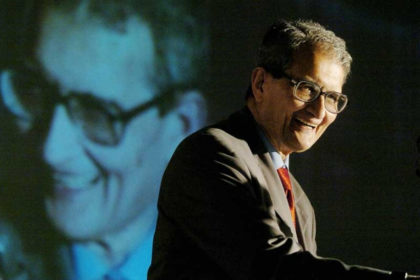 Indian Nobel Laureate and noted economist Amartya Sen delivers an address in New Delhi on  January 27, 2004. (Prakash Singh/AFP/Getty)