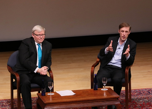 Kevin Rudd in conversation with Jake Sullivan. (Ellen Wallop/Asia Society)