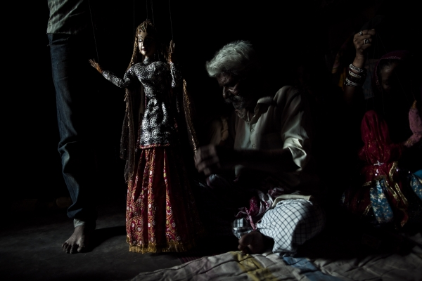 A Kathputli colony puppeteer in New Delhi. (Joshua Cogan)