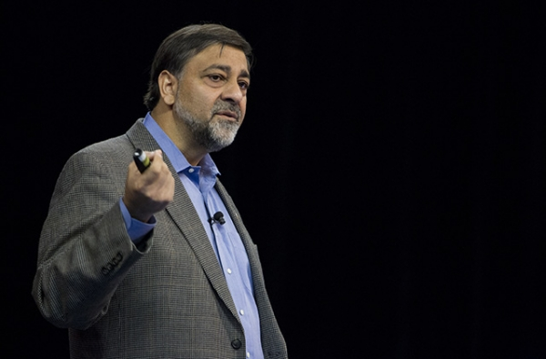 Vivek Wadhwa at a TEDx Bay Area Global Women Entrepreneurs Event in 2012. (ttnk/Flickr)