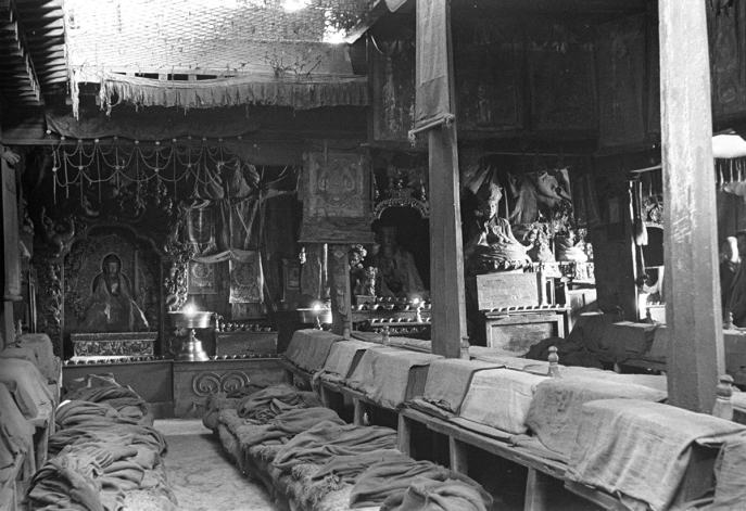 Interior of the main temple at Tashilunpo Monastery, Shigatse, Tsang, Tibet. (Felice Boffa Ballaran, 1939; Neg. dep. 6133/19. Courtesy of Istituto Italiano per l'Africa e l'Oriente (Is.I.A.O.) in l.c.a. and Ministero Degli Affari Esteri e della Cooperazione Internazionale.)