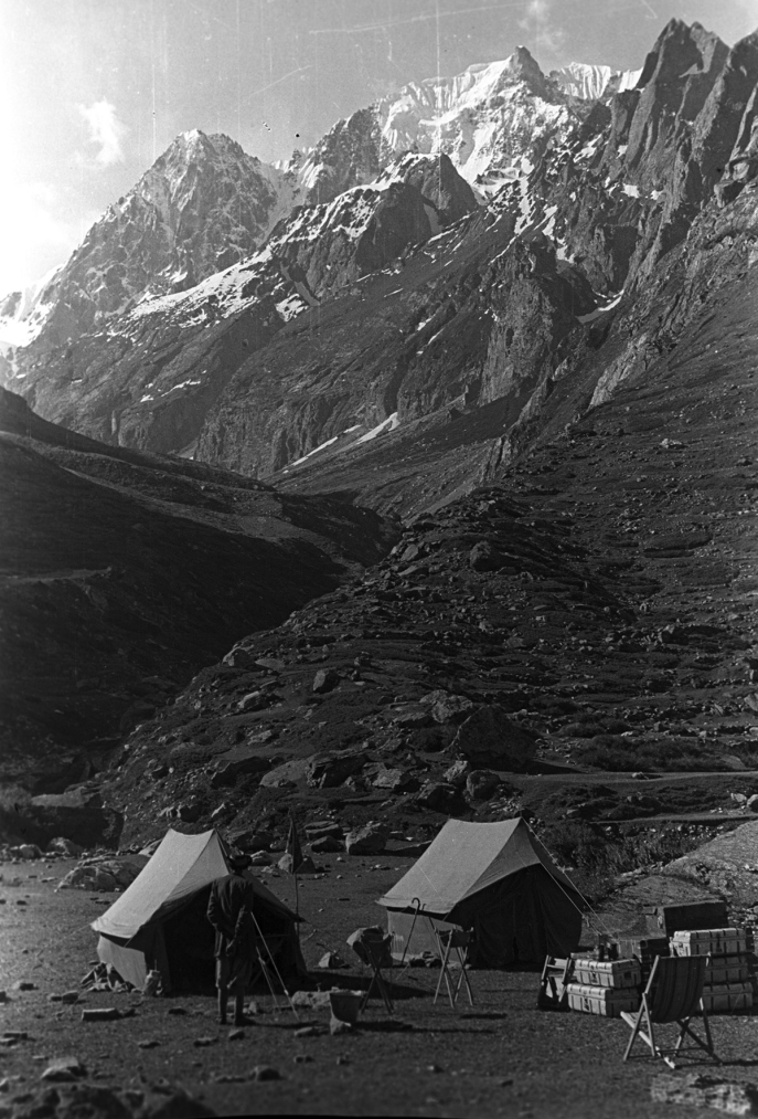 The Namchung Mountain seen from the Kaliganga River between Kalapani and Lipulekh Pass, Kumaon, Uttarakhand, India. Eugenio Ghersi, 1935; Neg. dep. 6571/20. Courtesy of Istituto Italiano per l'Africa e l'Oriente (Is.I.A.O.) in l.c.a. and Ministero Degli Affari Esteri e della Cooperazione Internazionale.